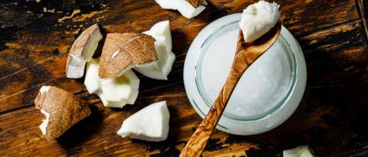 kokosöl und kokosnuss