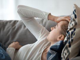Homöopathie gegen Sommerbeschwerden: natürliche Arzneimittel