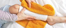 Wadenwickel und Co.: Warme und kalte Wickel richtig anwenden