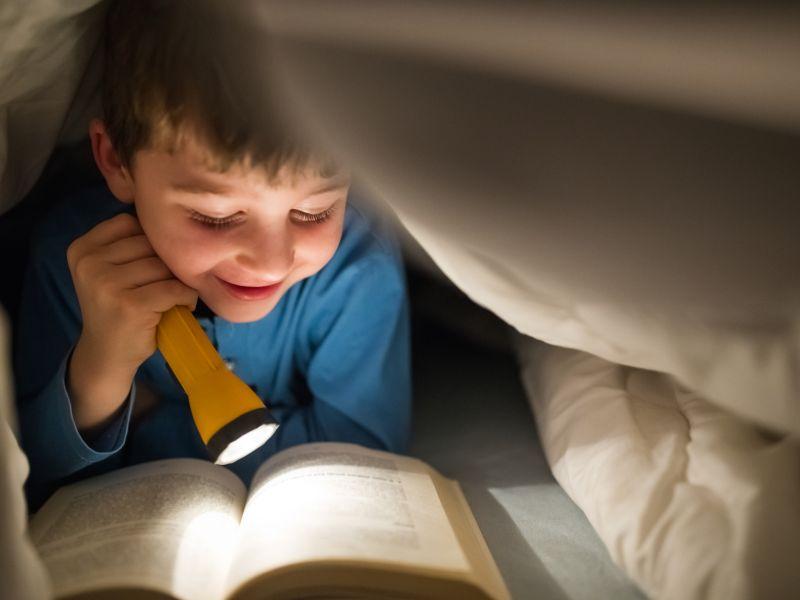 Lesen im Dämmerlicht verdirbt die Augen