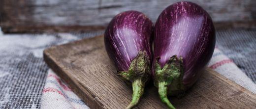 aubergine gesund kalorienarm zubereiten mit rezepten. Black Bedroom Furniture Sets. Home Design Ideas