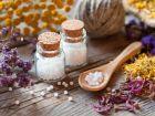 Leitsymptome, Potenzen, Dosierung: Wie funktionieren homöopathische Mittel?