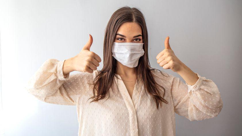 Mundschutz tragen: Machen Sie alles richtig? 13 Tipps!