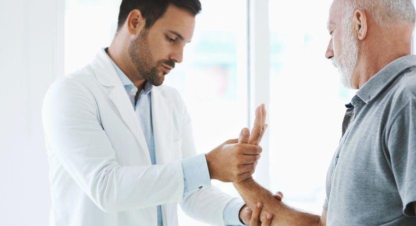 Rheumatoide Arthritis: Entzündung der Gelenkinnenhaut