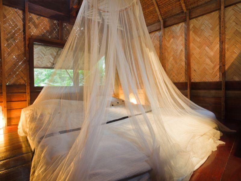 Moskitonetze – vor allem auf Reisen in die Tropen wichtig