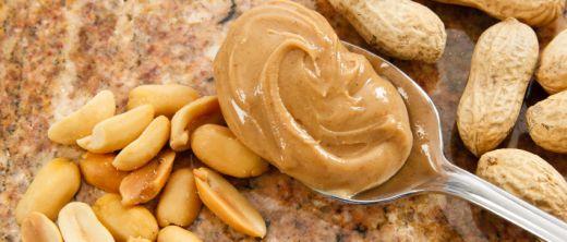 erdnüsse und erdnussbutter
