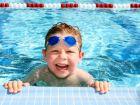 Ab wann sollten Kinder schwimmen können?