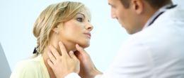 Halsschmerzen: So lindern Sie Halsweh auf natürliche Weise