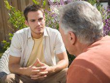Gespräch vater und sohn