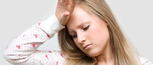 Droehnende_Kopfschmerzen_bei_Kindern