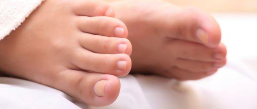 Nagelpilz_Symptome_Füße_Nägel_Fußnägel