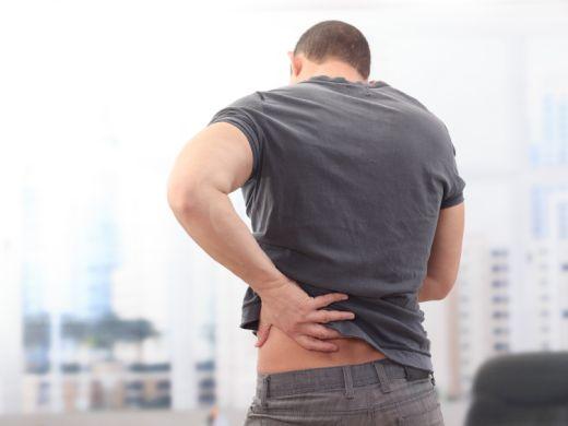 Rücken-Risiken im Job größer als gedacht