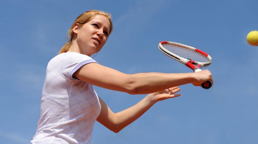 Tennis_iStock_000009249434_Medium.jpg