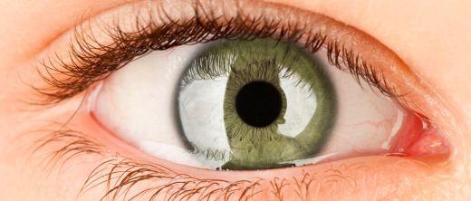 Nahaufnahme eines weiblichen Auges